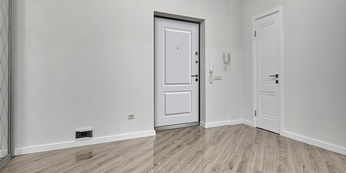Дверь «Николь» в оттенке «Пломбир» в интерьере