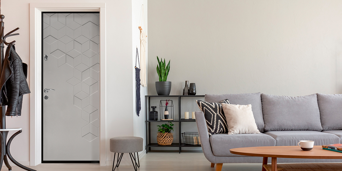 Дверь «Теруэль» в оттенке «Платиновый серый» в интерьере