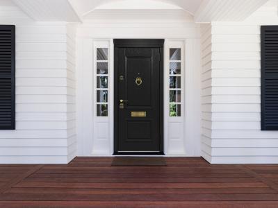 Стильный экстерьер: декор входной двери